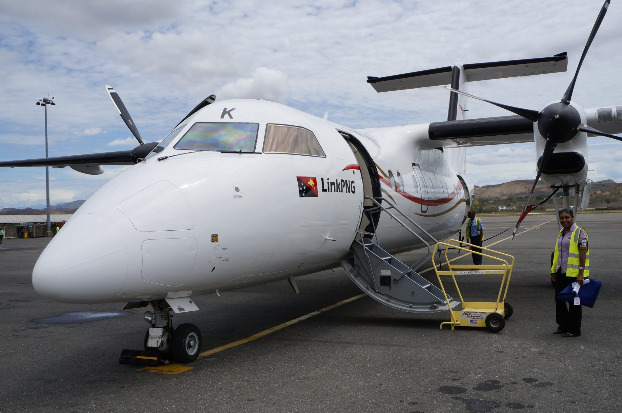 Dash 8 Operates To Kavieng Due To Runway Works