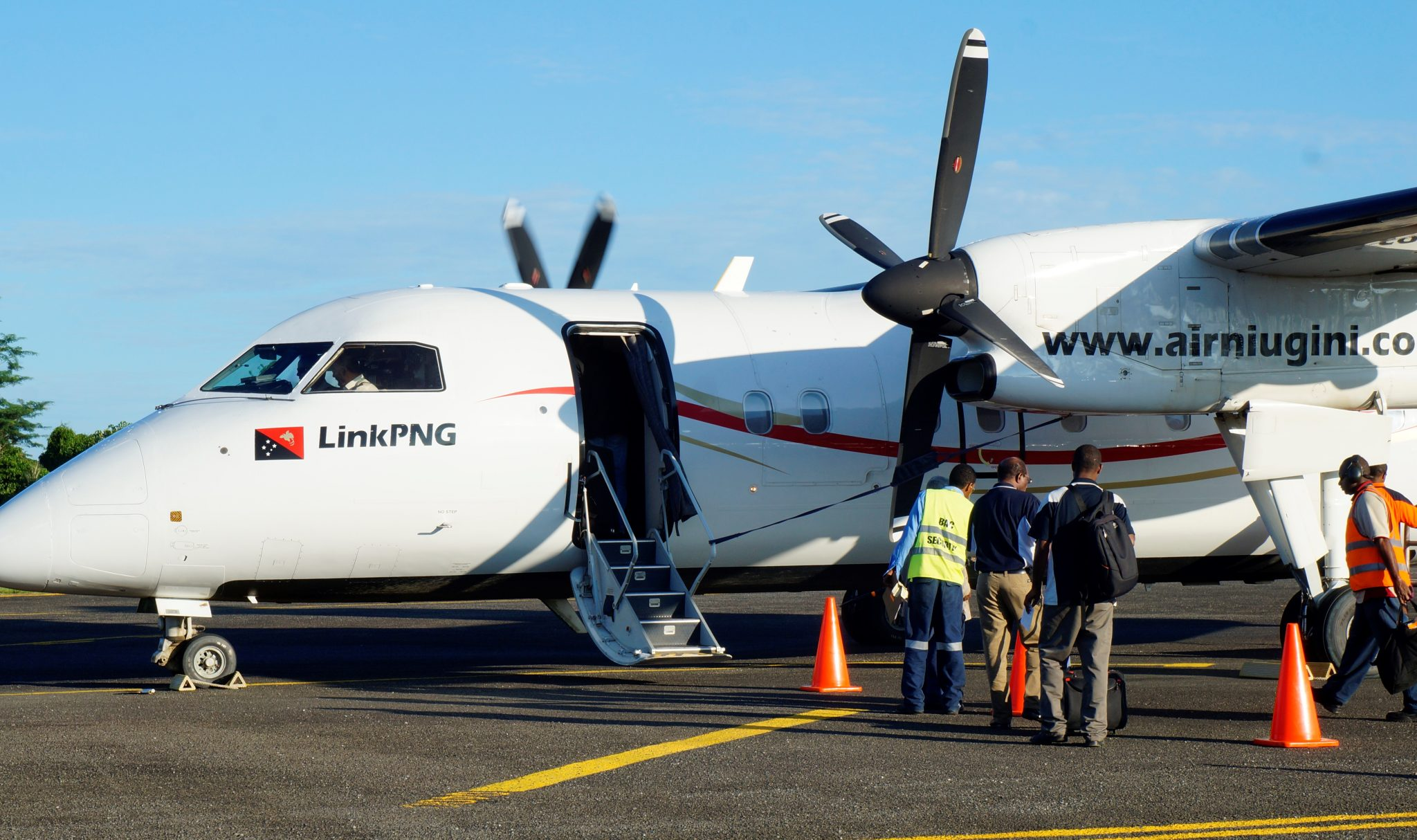 Link PNG resumes Services to Wapenamanda